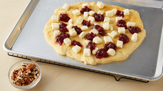 Brie and Cranberry Pizza Recipe - Pillsbury.com
