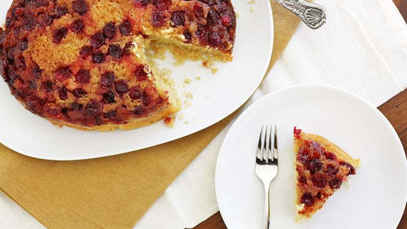 Slow-Cooker Cranberry Upside-Down Cake