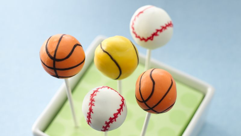 Cookies and Cream Sports Ball Cake Pops