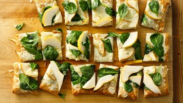 Pear and Gorgonzola Pizza
