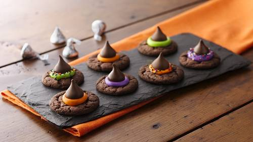 easy witch hat cookies - Easy Halloween Cookie Ideas