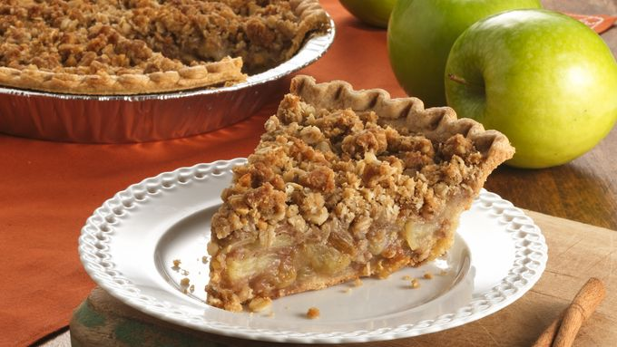 Cinnamon-Raisin Apple Crisp Pie