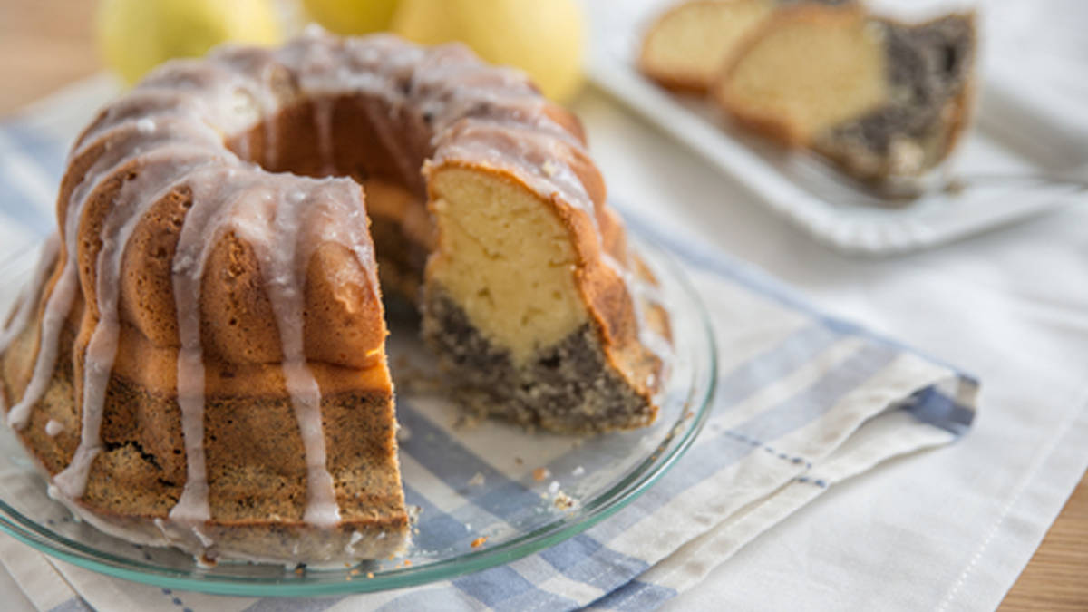 Lemon-Poppyseed Cake