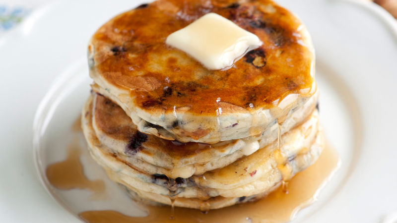 Easy Blueberry-White Chocolate Pancakes