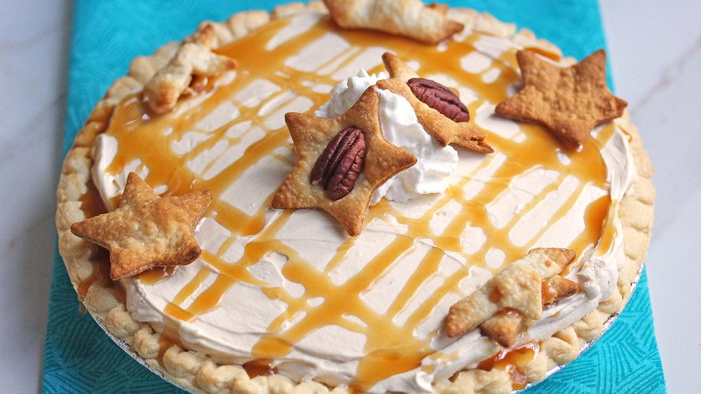 Salted Turtle-Cream Cheese Pie