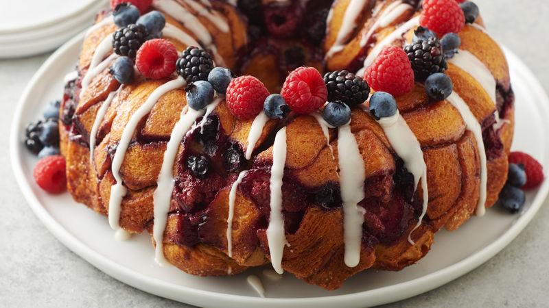 Berry Cinnamon Roll Monkey Bread