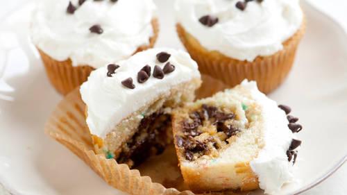 Cookie-Stuffed Rainbow Chip Cupcakes_image