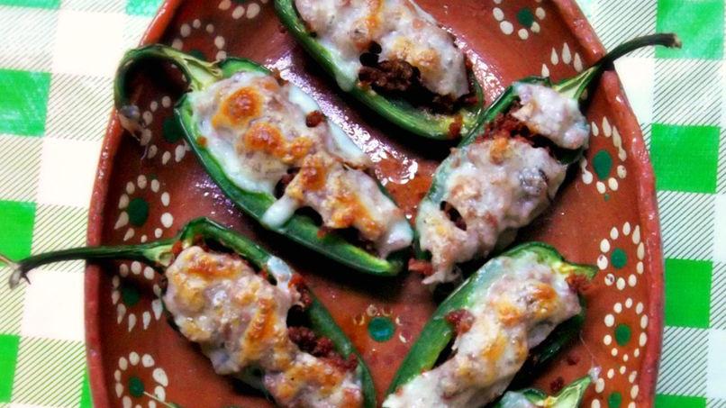 Jalapeños Rellenos de Chorizo y Queso