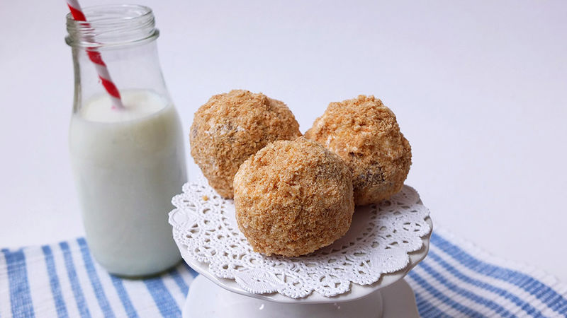 Cinnamon Toast Crunch™ Donut Holes