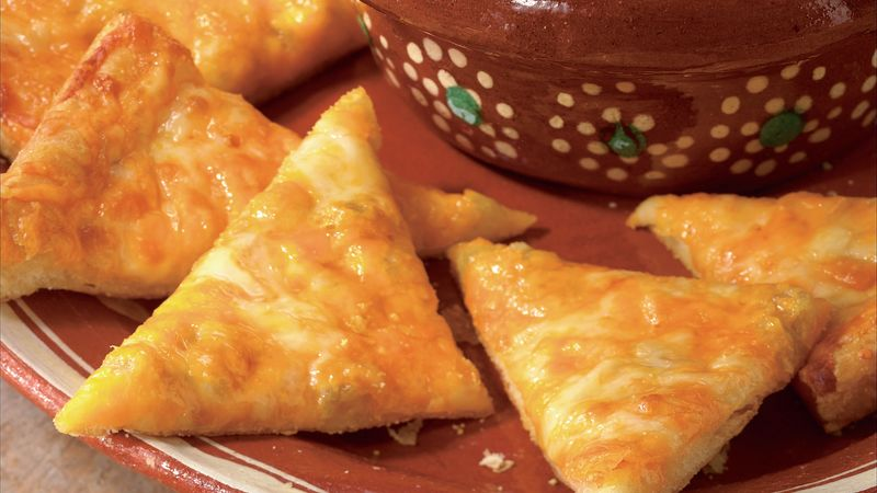 Cheesy Crescent Nachos