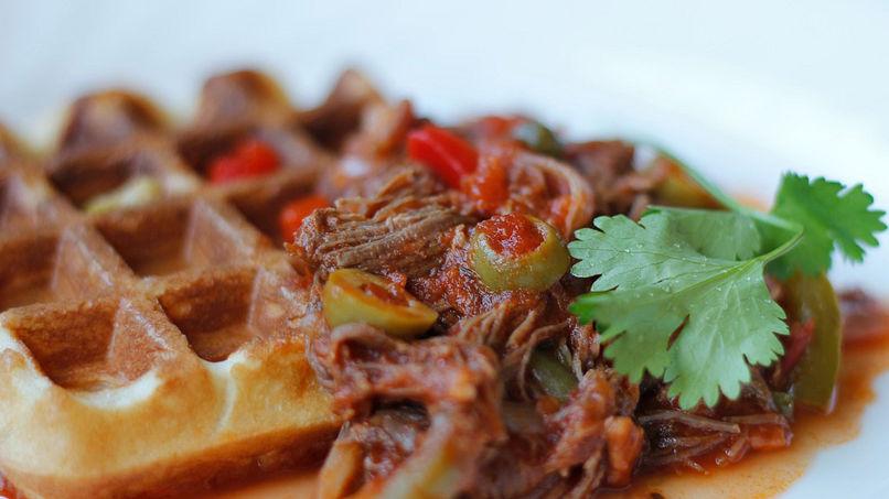 Waffles con Ropa Vieja