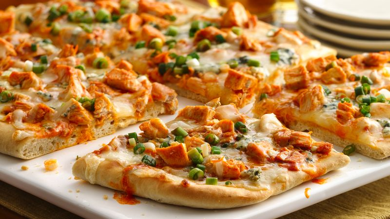 Buffalo Chicken Beer Bread Pizza Recipe Bettycrocker Com