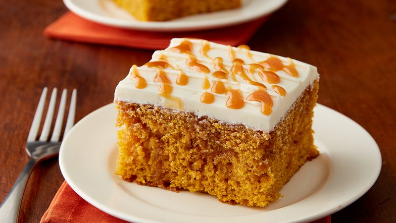 pumpkin poke cake pumpkin caramel poke cake recipe bettycrocker 6858