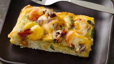 Mediterranean Breakfast Pizza