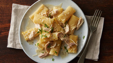 One-Pot Lemon Chicken Rigatoni