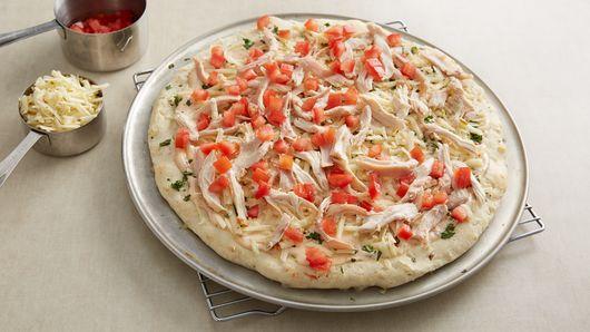 Impossibly Easy Chipotle Ranch Chicken Pizza Recipe ...