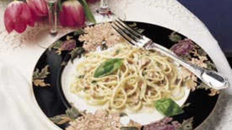 Manhattan Clam Linguine