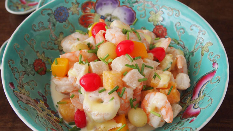 Quick Shrimp and Fruit Salad