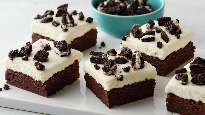 5-Ingredient Cookies and Cream Brownie Bars