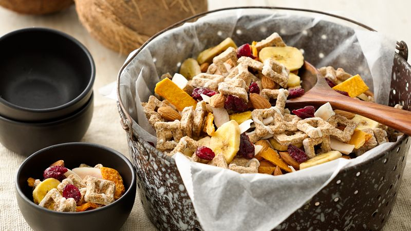 Tropical Oat Bites Cereal Snack Mix