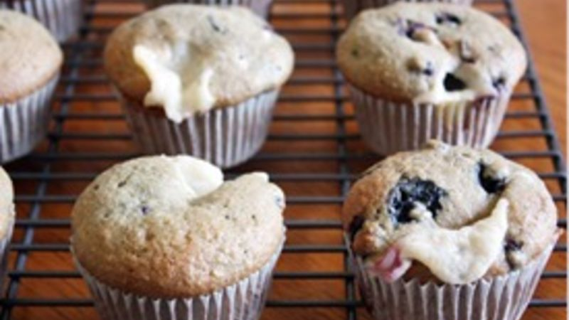 Low-Fat Blueberry Cream Cheese Muffins