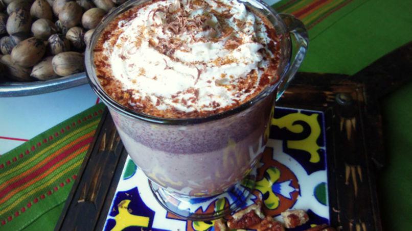 Chocolate Mexicano con Canela y Nueces Pacanas