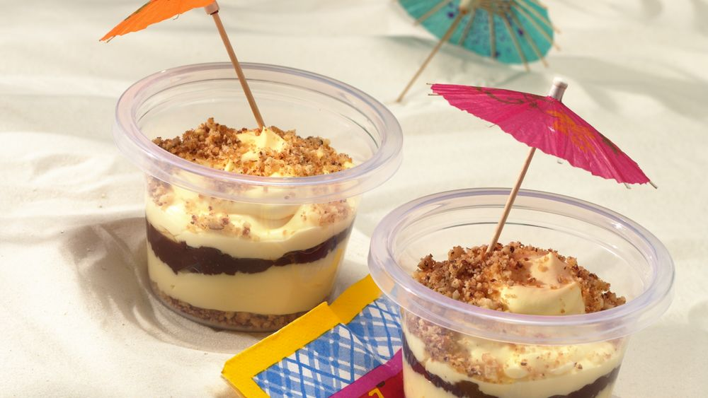 Nutty Layered Sandy Cups