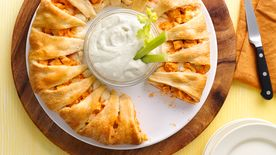 Buffalo Chicken Crescent Ring