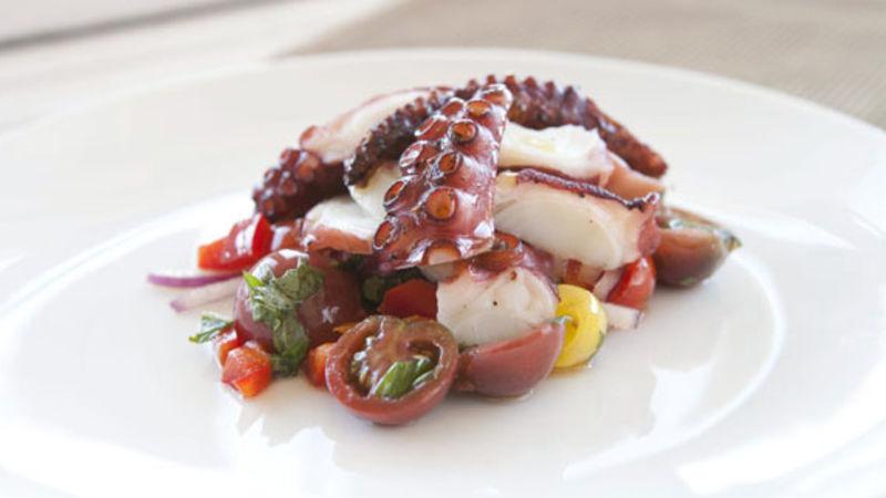 octopus salad ile ilgili görsel sonucu