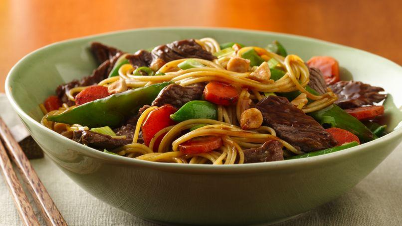 Tazones Asiáticos de Fideos y Carne