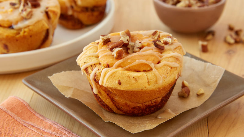 Pumpkin Cheesecake Cinnamon Roll Cups