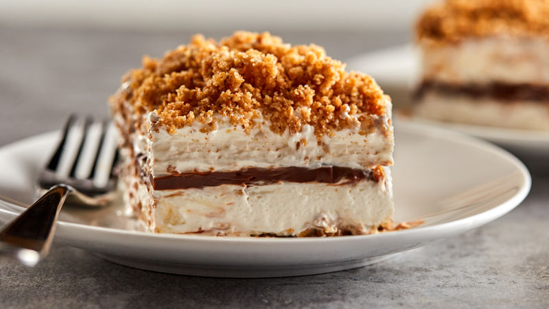 Frozen S'mores Crunch Cake