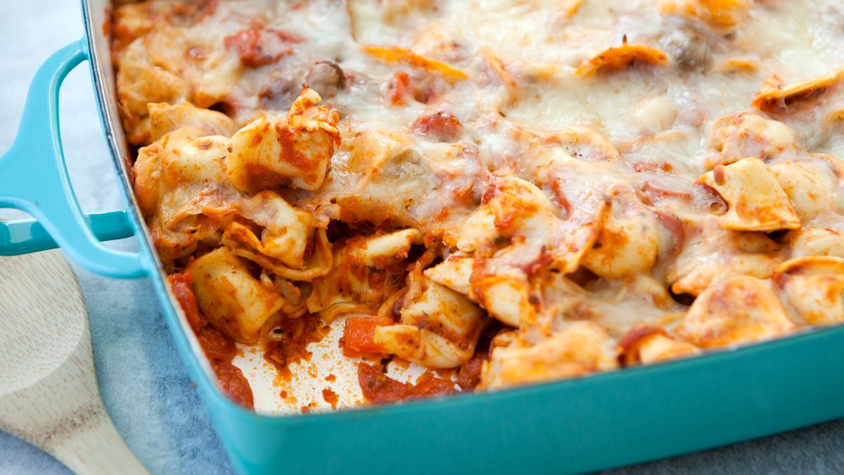 Cheesy Tortellini and Pepperoni Pizza Casserole