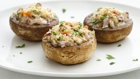 Skinny Cheese and Bacon Stuffed Mushrooms