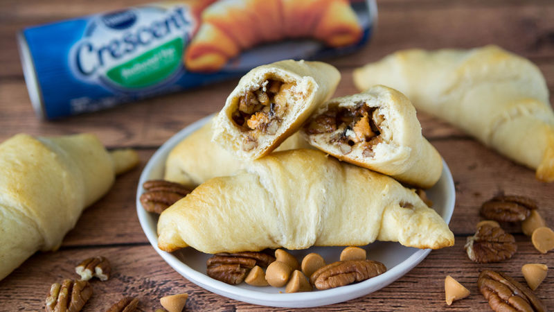 Butterscotch-Pecan Pie Crescent Rolls