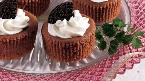 Mini Chocolate Cheesecakes image