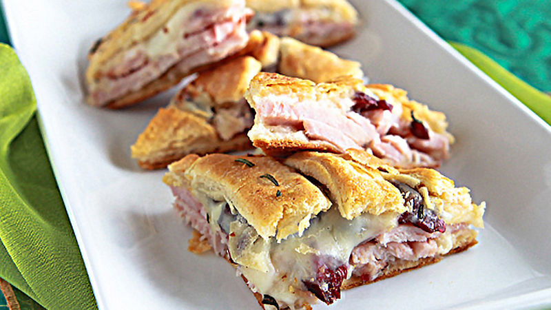 Turkey & Cranberry Appetizer Pizza