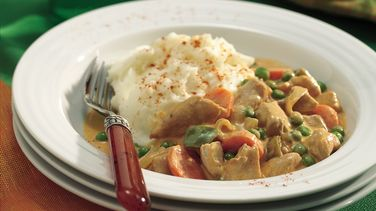 Slow-Cooked Paprika Chicken with Mashed Potatoes