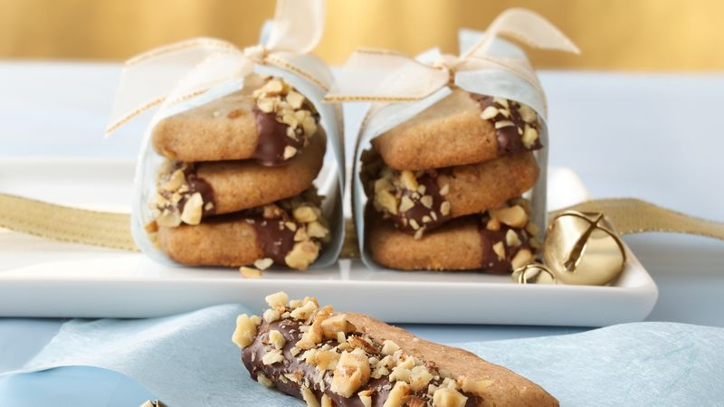 Maple-Walnut Shortbread Cookies