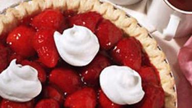 Stuffed-Crust Strawberry Cream Pie Recipe - Pillsbury.com