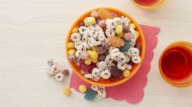 Trolls Rainbow Cereal Snack Mix