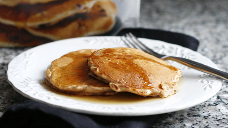 Easy Apple Cinnamon Pancakes