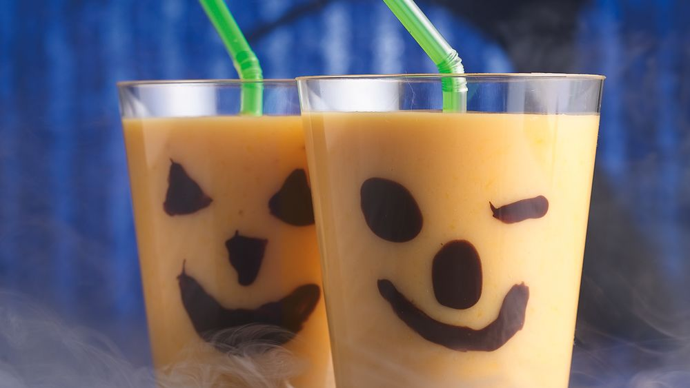 Chilling Jack-o'-Lantern Smoothies