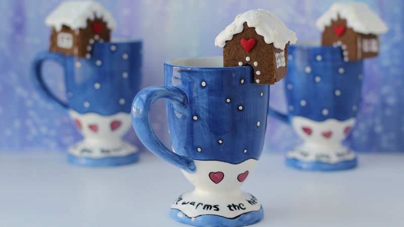 Mini Gingerbread Houses for Your Mugs