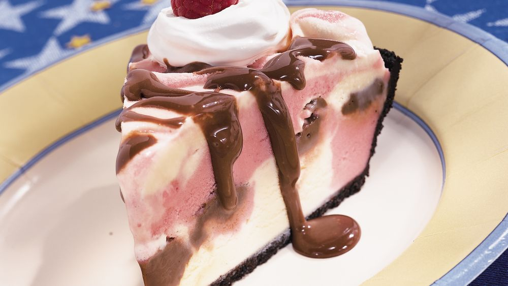 Raspberry-Fudge Frosty Pie