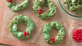 No-Bake Christmas Wreath Cookies