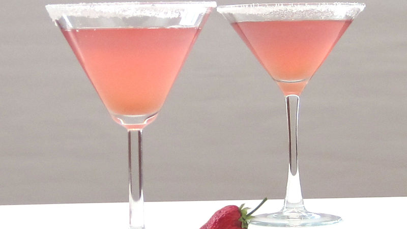 Strawberry-Rhubarb Pie Martini