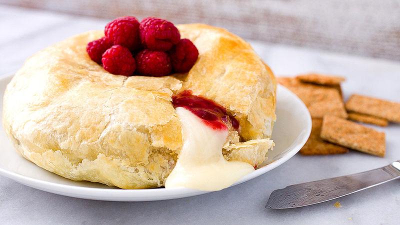 Raspberry-Habañero Baked Brie