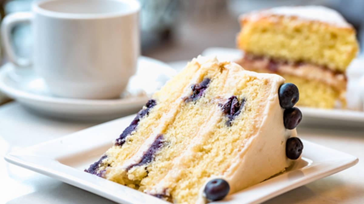 Lemon Buttercream Cake with Blueberries