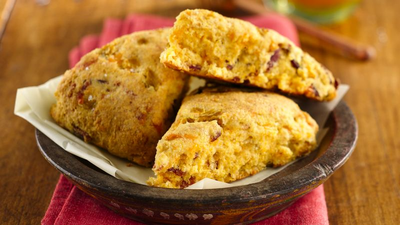 Cheddar and Chilies Cornbread Scones